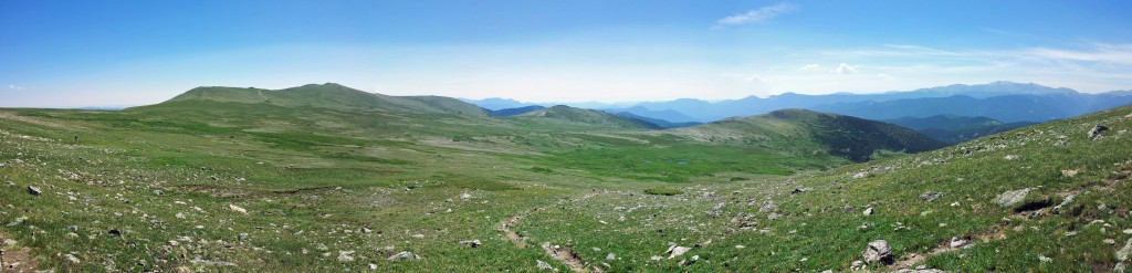 Vast alpine plateau, looking south.
